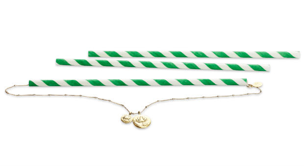 packing necklaces in straws