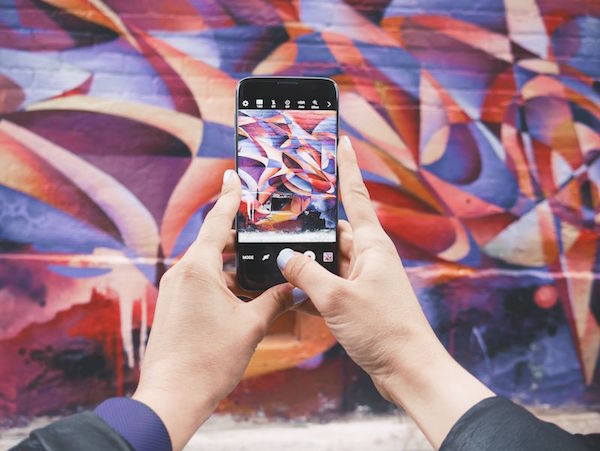 smartphone-wall-pic