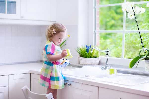 kids learning to do chores