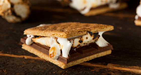 canadian camping shopping list - s'mores