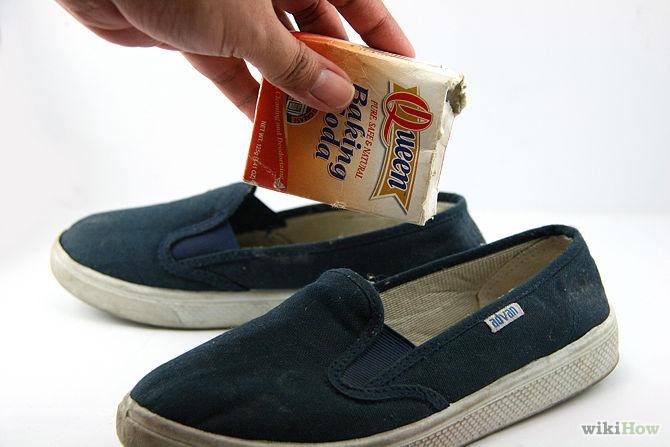 use baking soda to remove shoe odor