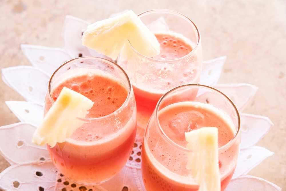 Delicious Beach Drinks with Friends - London Drugs Blog