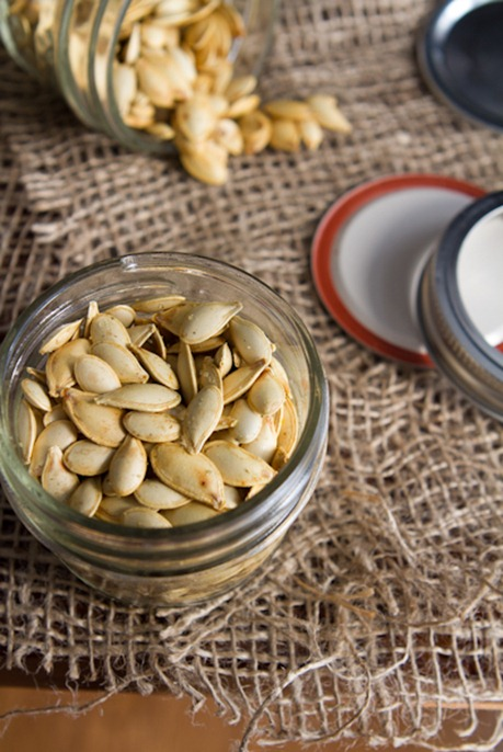 pumpkin recipes - roasted pumpkin seeds