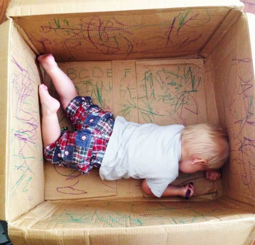 indoor activities - Cardboard Box drawing