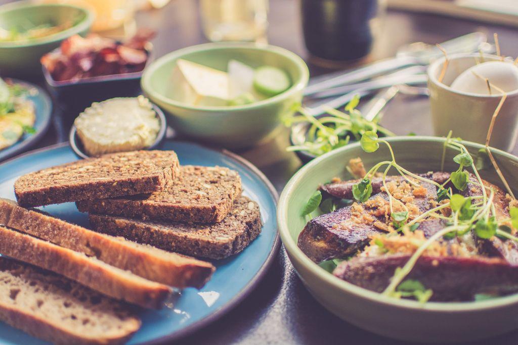 Host a potluck for Friendsgiving