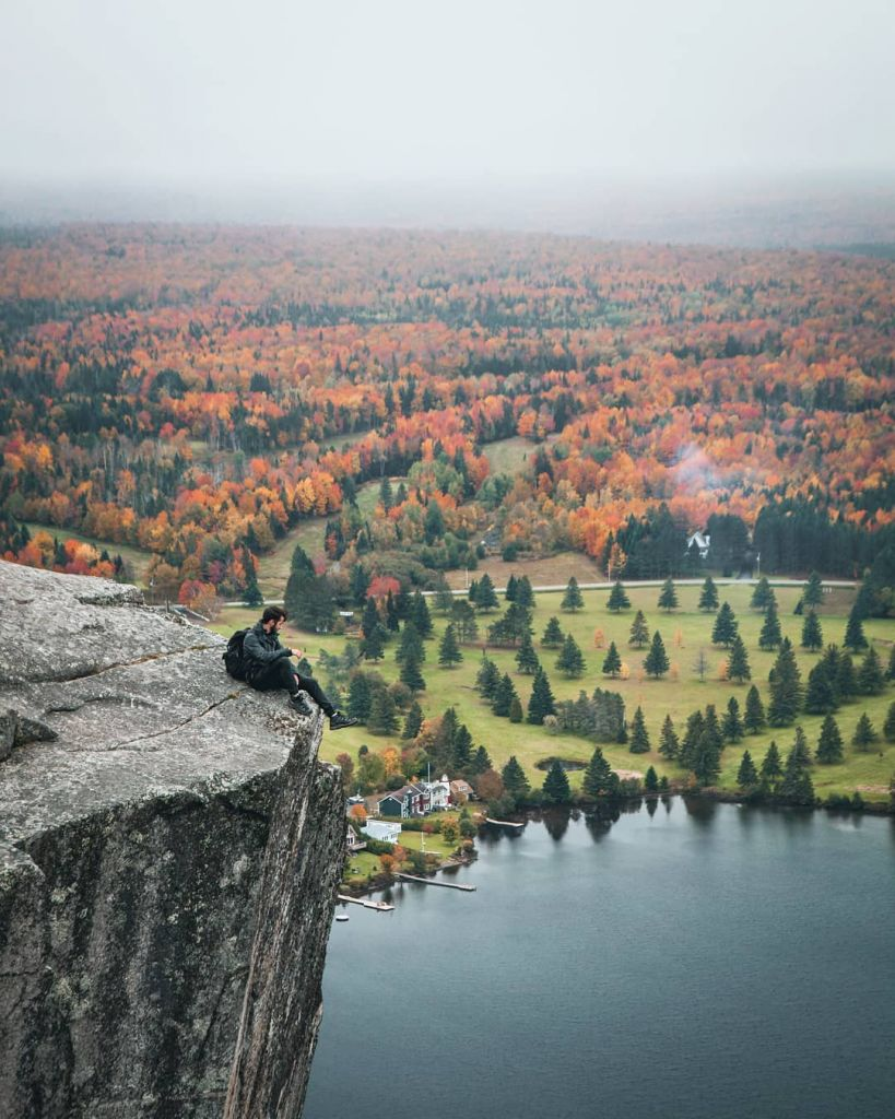 Mont Pinacle Park - Beautiful Canada: 10 Stunning Places To Enjoy Fall Leaves