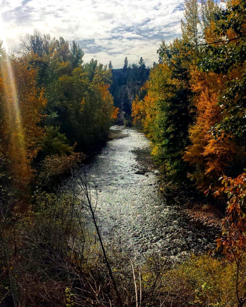 Kelowna - Beautiful Canada: 10 Stunning Places To Enjoy Fall Leaves